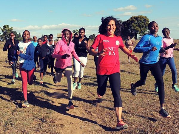 Carrera solidaria en Kenia con Nuba y Wanawake