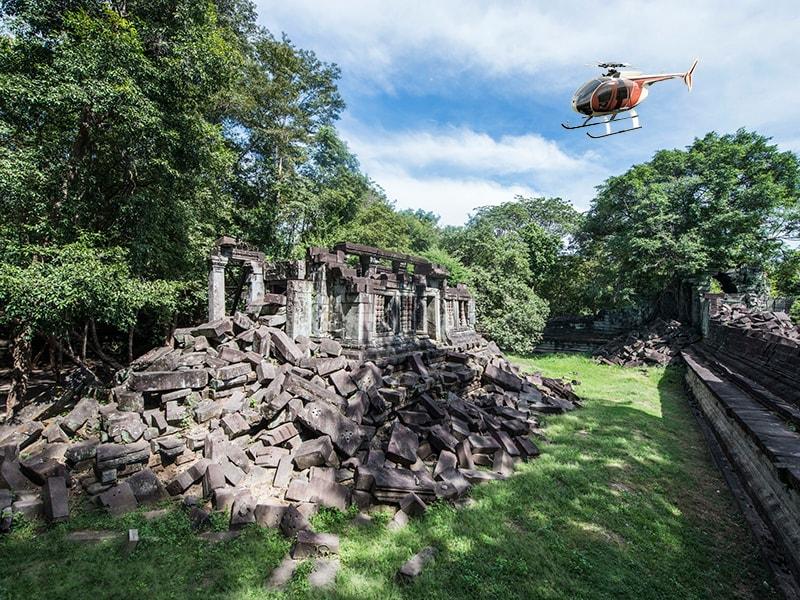 Camboya y Laos. Aterrizar en helicóptero en los remotos templos de Banteay Chhmar