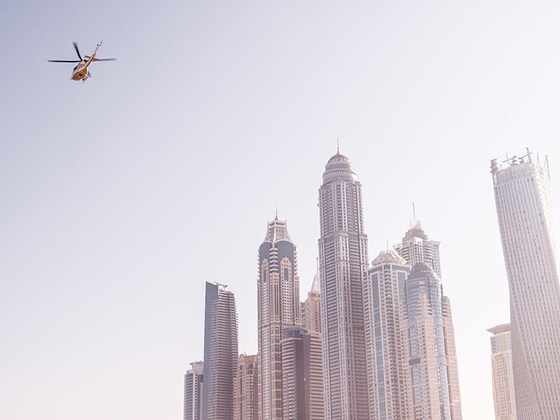 Dubai / Abu Dhabi. Vuelo en helicóptero
