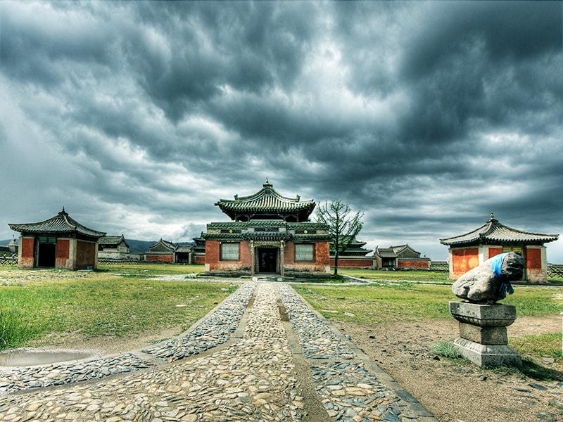 Mongolia. El Monasterio Erdene en Kharahkhorum