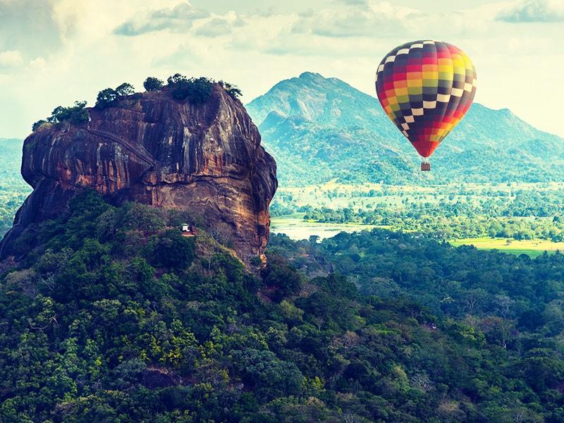 Sri Lanka. Paseo en globo al amanecer