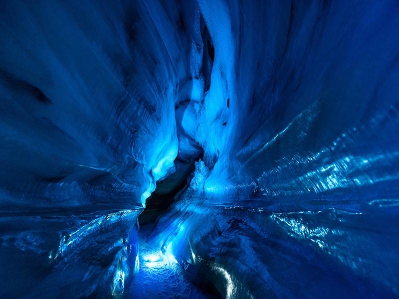 Ártico Noruego. Llegar en trineos de perros a las cuevas de hielo