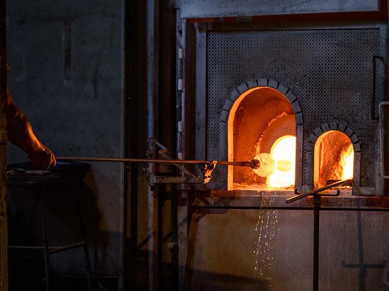 Italia. Entrada privada a un laboratorio artesano
