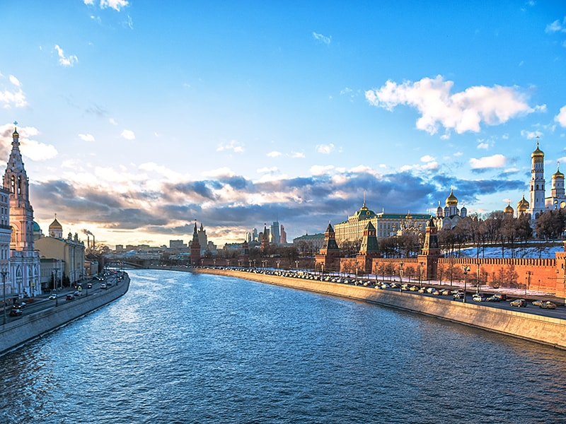Rusia. Paseo en yate privado